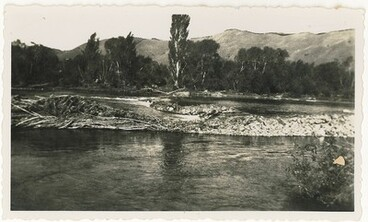 Image: Dam on the Wairoa River, Brightwater, early 1900s.