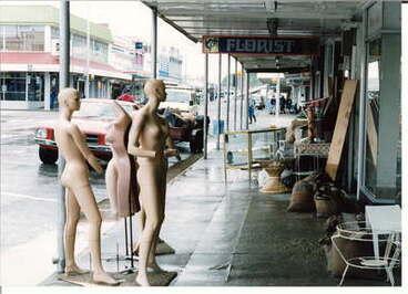 Image: Mannequins on Mackay Street