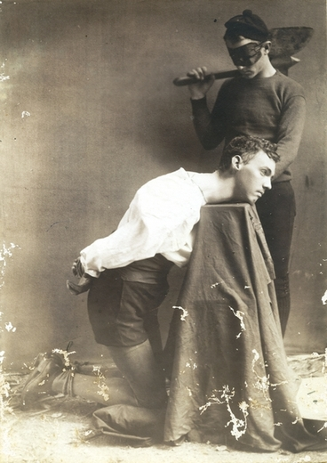 Image: Theatrical beheading : Photograph
