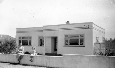 Image: Ted Laurenson's house in Christchurch : digital photograph