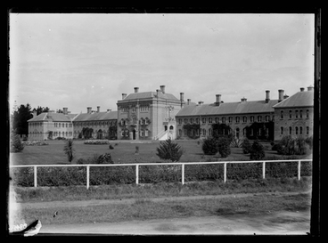 Image: [Exterior view of the Avondale Lunatic Asylum and surrounding grounds]