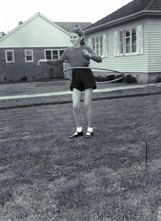 Image: Hula hoop record broken.