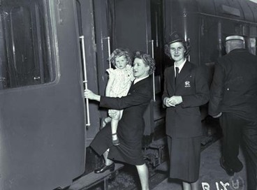 Image: Hostesses, NZ Railways.
