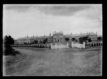 Image: [Avondale Lunatic Asylum  main building and grounds]