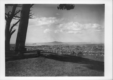 Image: View from One Tree Hill, showing Rangitoto.