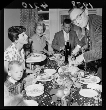 Image: A thanksgiving dinner at the home of Jim Pettus