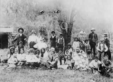 Image: Group at Te Whaiti, Whakatane, including Katherine Mansfield