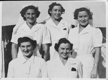 Image: Group of NZ VADs at 2 NZ General Hospital, Egypt, World War II - Photograph taken by W Timmins