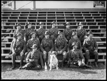 Image: World War I soldiers and mascot