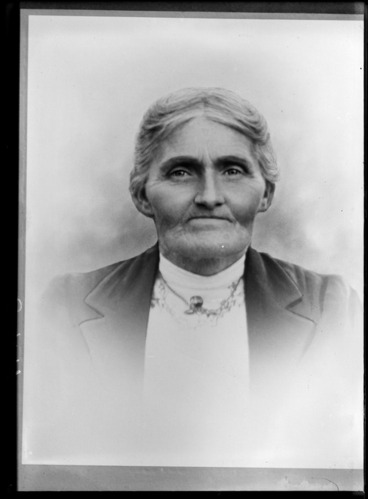 Image: Studio upper torso portrait of unidentified woman with a necklace, Christchurch