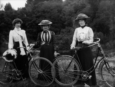 Image: Unidentified women with bicycles, probably in the Taranaki Region
