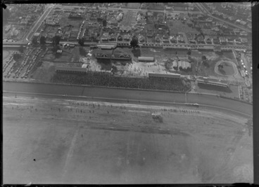 Image: Avondale, Auckland, showing crowds at Avondale Racecourse, and bordering houses