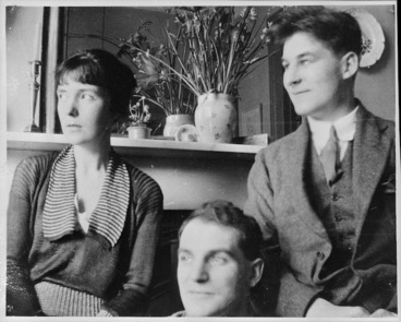 Image: Katherine Mansfield with John Middleton Murry and Richard Murry