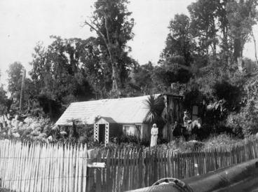 Image: House belonging to the Graham family at Franz Josef Glacier