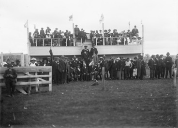 Image: Crowd at the racecourse, Chatham Islands