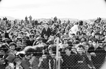 Image: Crowd at Wellington Airport awaiting the arrival of The Beatles