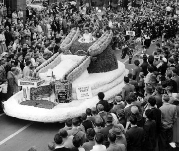 Image: J Wattie Canneries Ltd's garden peas float, during the Hastings Blossom Festival parade