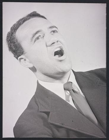 Image: Inia Te Wiata singing