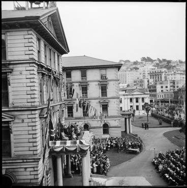 Image: VE day, Government Buildings, Wellington