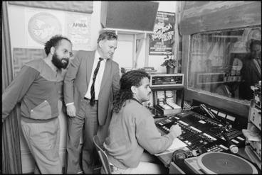 Image: MP Richard Prebble visits Te Upoko o Te Ika - Photograph taken by John Nicholson
