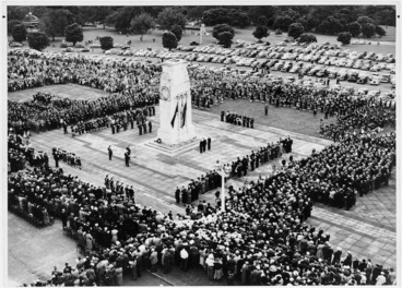 Image: Anzac Day service, Auckland Domain