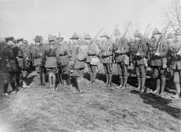 Image: Major-General Russell inspecting an Otago Battalion
