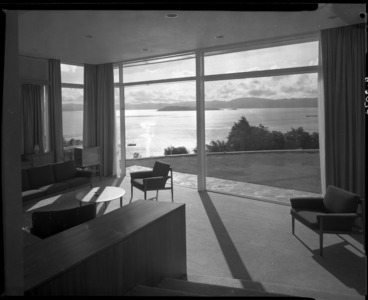 Image: Living room interior of the Winn House, Lowry Bay