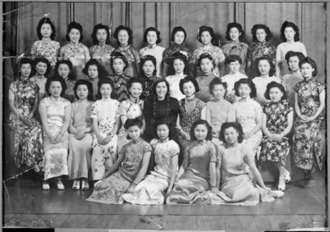 Image: Chinese women with pianist Lili Kraus