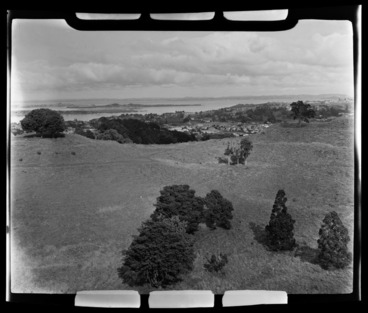 Image: One Tree Hill, Manukau Harbour, Auckland City