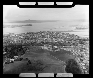 Image: Auckland Domain and War Memorial Museum
