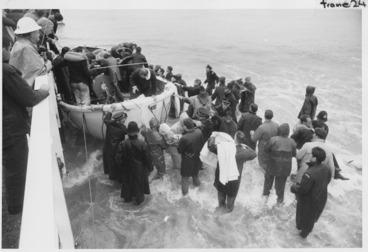 Image: Wahine shipwreck survivors coming ashore at Seatoun, Wellington