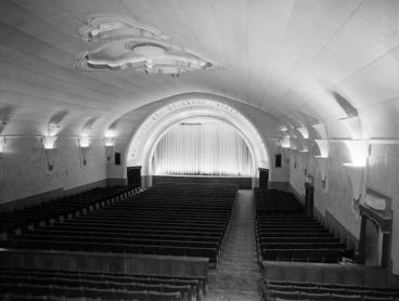 Image: Interior of the State picture theatre in Petone