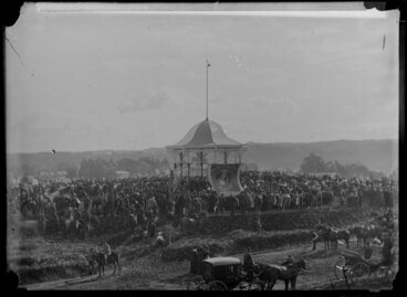 Image: Unidentified occasion, crowd at band rotunda in Wanganui