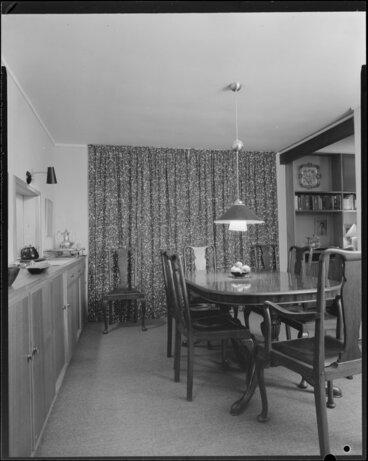 Image: Ellis house, 5 Glentui Grove, Khandallah, dining room