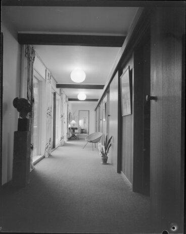 Image: Ellis house, 5 Glentui Grove, Khandallah, hallway