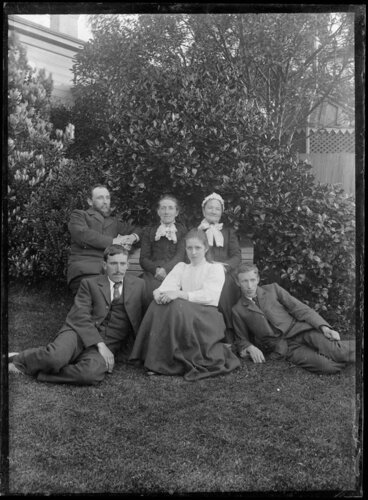 Image: Family portrait in garden