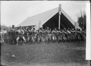 Image: Maori group performing haka at Putiki Pa, Wanganui