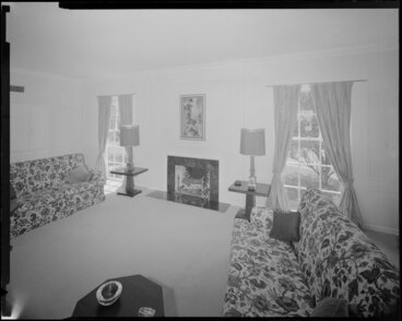 Image: Manthel House interior, living room