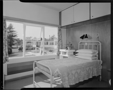 Image: Interior of room at a hospital in Havelock North, probably Duart Hospital