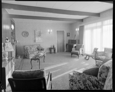 Image: Living room of unidentified house
