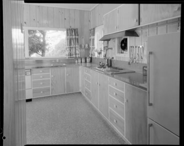 Image: Kitchen of unidentified house