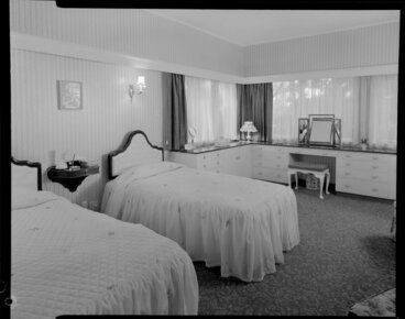 Image: Bedroom of unidentified house