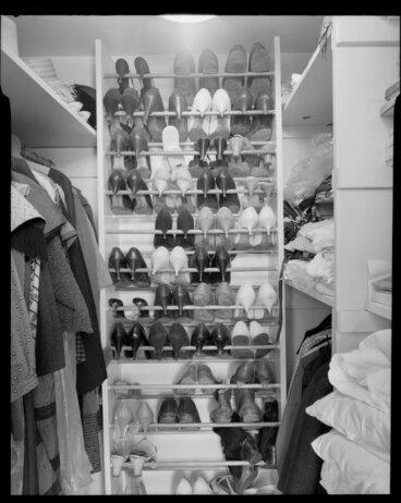 Image: Walk in wardrobe, Winkler house, Wellington