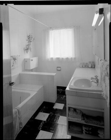 Image: Bathroom, Vautier House [Wellington?]