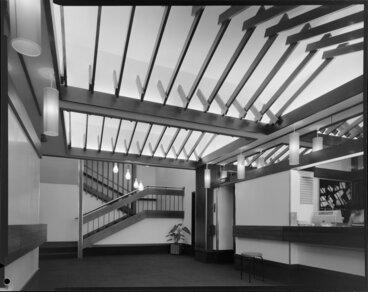 Image: Entrance, Royal Oak Hotel, Wellington