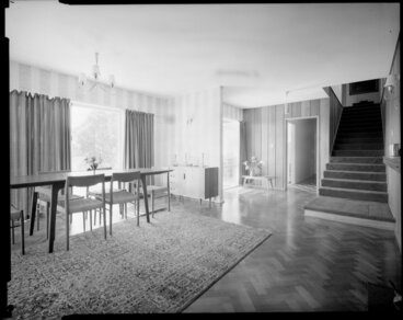 Image: Dining room [of Jim Dawson house in Mahina Bay, Eastbourne, Lower Hutt?]