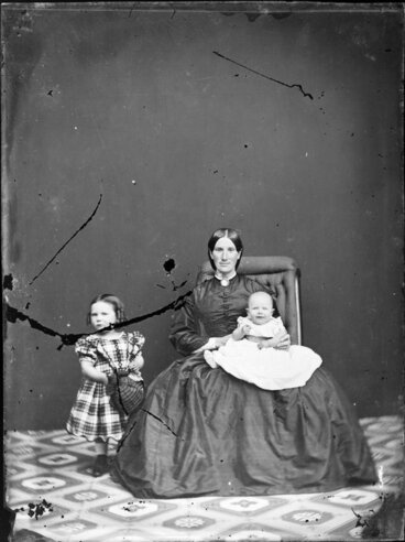 Image: Unidentified mother and children