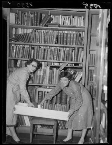 Image: Staff of the Alexander Turnbull Library moving the book collection out of the Bowen Street building for the restrengthening of 1955-1957