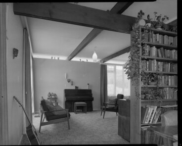 Image: Living room of Utting house, [Wellington?]