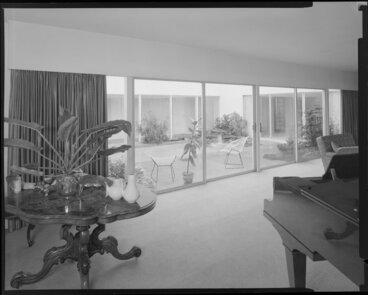 Image: Living room of Littlejohn house